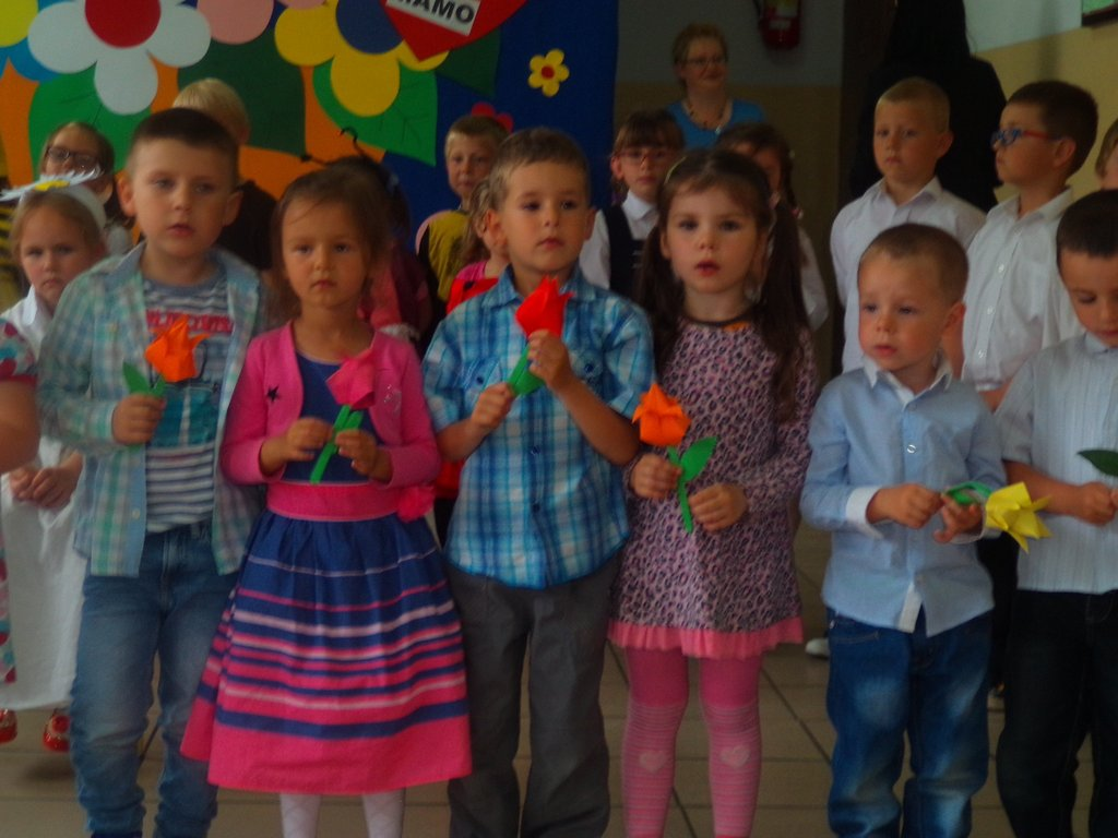 Szkoła Podstawowa im. W. Witosa w Bierkowie » W Dniu Mamy